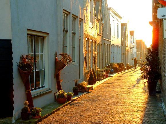http://no-surrender.cowblog.fr/images/zelandegoldenstreet-copie-1.jpg